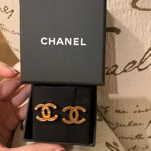 Authentic Chanel CC gold earring